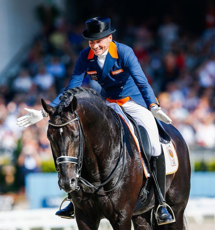 Edward Gal op Glock's Zonik N.O.P. tijdens het EK van 2019. Het paard was sinds begin 2021 van Hans Peter Minderhoud.