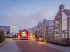 Brand verwoest tuinhuisje in IJsselmuiden