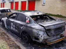 Twee auto's gaan in vlammen op in Zwijndrecht