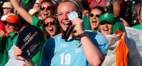 Utrechtse Ayeisha (25) woest na diefstal van zilveren WK-medaille: 'Dit is heel laf, ik voel me uitgekleed'