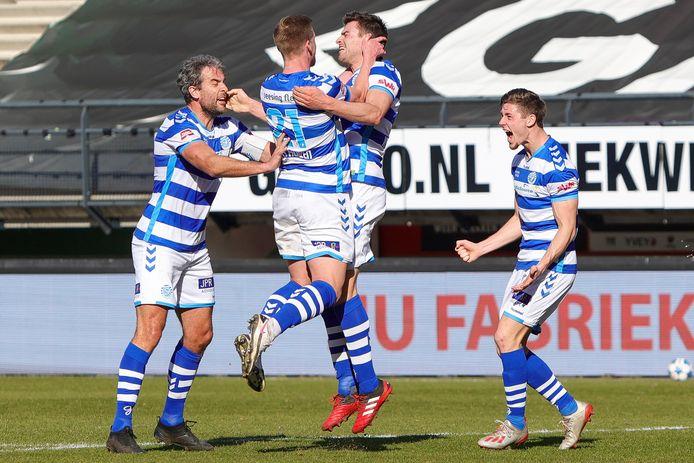 Ontlading bij De Graafschap na de 0-2 van Ted van de Pavert (tweede van rechts).