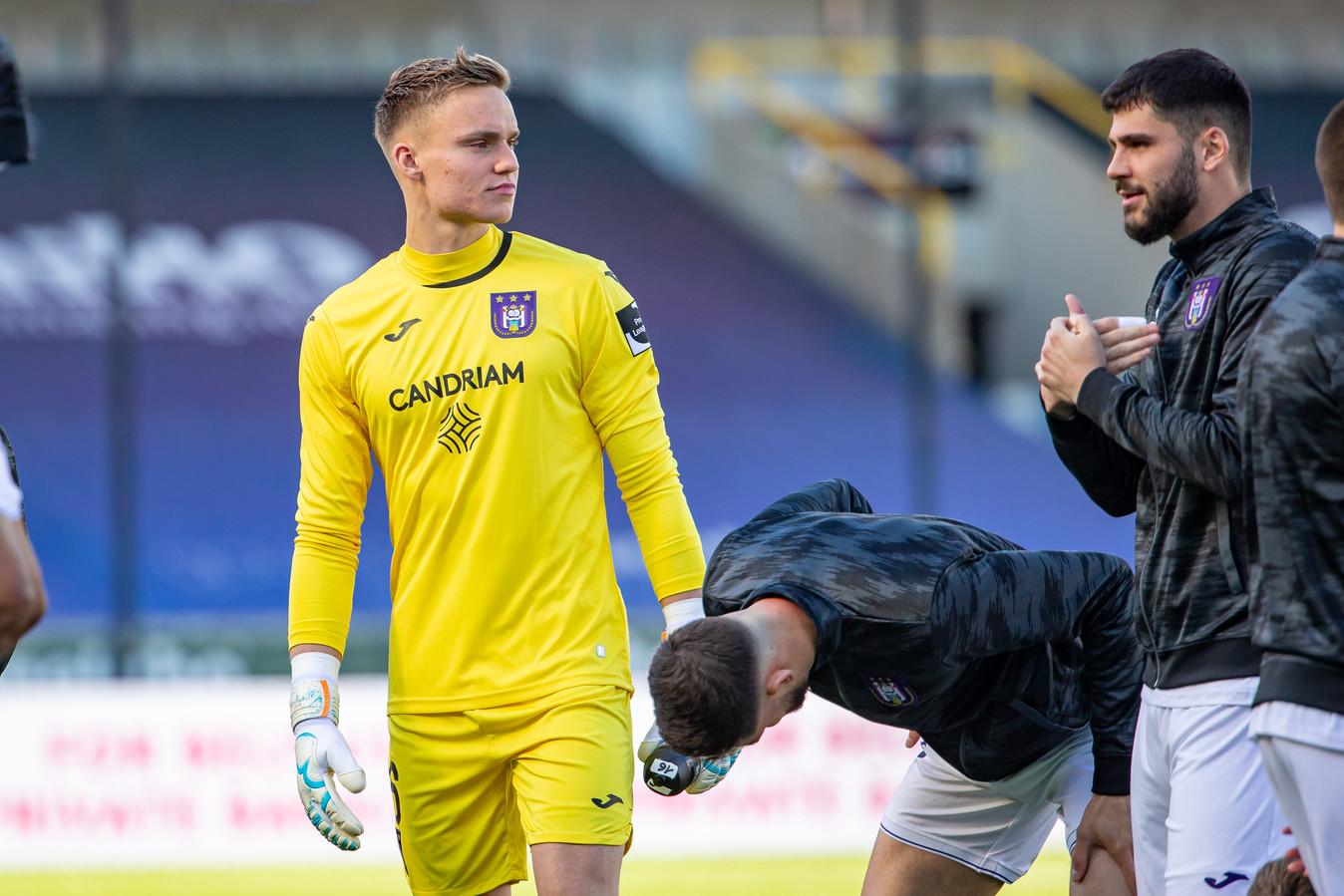 De Bredase keeper Bart Verbruggen (18) maakte zijn profdebuut voor Anderlecht.
