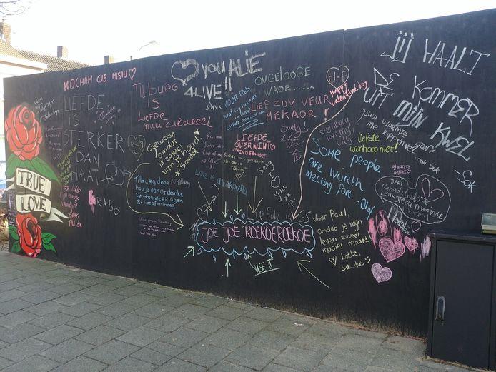 De liefdesmuur aan de Korvelseweg in Tilburg