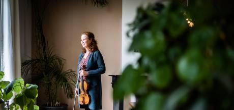 Topvioliste Cécile brengt een vleugje rock 'n roll in de klassieke muziek: 'Wij zijn geen seksloze types'