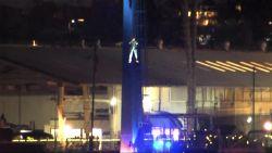 VIDEO. Brandweer redt 16 mensen uit attractie in SeaWorld