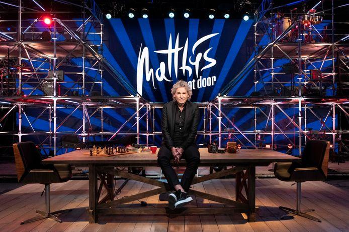 Matthijs van Nieuwkerk in de studio van Matthijs gaat door.