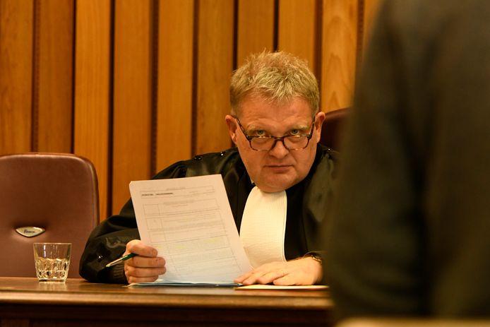 """Politierechter Geert Vandaele wil in Veurne elk jaar minstens drie grootse themazittingen houden """"om de samenleving te beschermen""""."""
