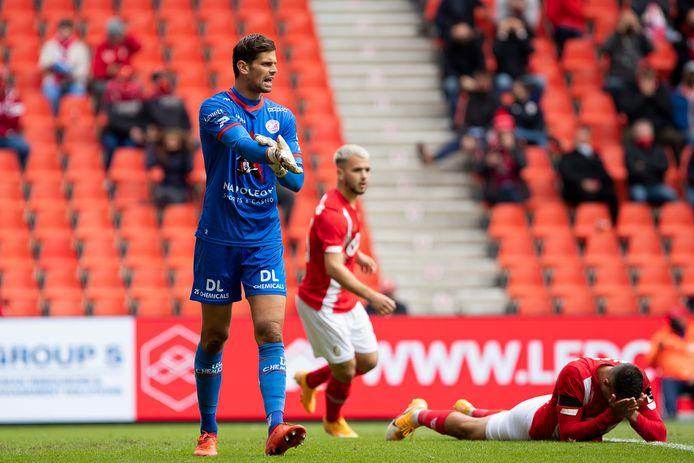 """Op Standard en OH Leuven keepte Louis Bostyn tweemaal sterk, maar het leverde Zulte Waregem slechts een puntje op: """"Tegen Antwerp heeft ons publiek, in de eerste thuismatch na die 0-6 tegen Club Brugge, recht op een stevig antwoord."""""""