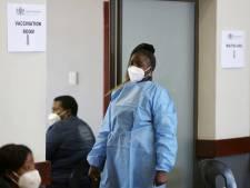 """En manque de vaccins, l'Afrique frappée par une troisième vague """"brutale"""""""