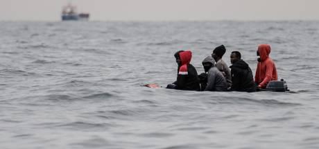 80 migrants, dont 20 enfants, secourus dans la Manche