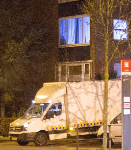 Hennepkwekerij in flat in Enschede, man (24) gearresteerd