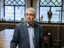 Wijchense pastoor Martin schrijft boek over Christus als god, met link naar corona: 'We moeten met elkaar in dialoog'