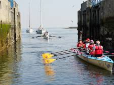 Roeiers voor KiKa varen door de Zeeuwse wateren