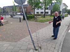 Beschonken bestuurster uit Raalte (39) laat veertig meter lang spoor van ravage achter in Deventer