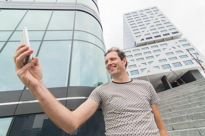 Verslaggever Peter Koop probeert de Gamebus Challenge uit in Utrecht.