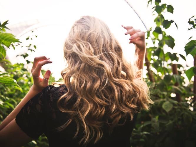Waarom laten zoveel vrouwen hun haar knippen na een break-up? Een filosofe en kapper over de psychologie van onze lange lokken
