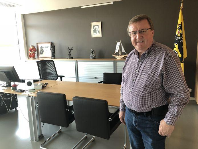 Jean-Pierre De Groef was zelf 18 jaar burgemeester in Machelen, maar moest zijn bureau na de verkiezingen van oktober 2018 afstaan aan Marc Grootjans.