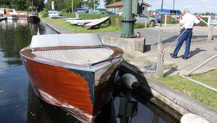 De boot die is betrokken bij het fatale ongeluk op de Vinkeveense Plassen. Beeld null