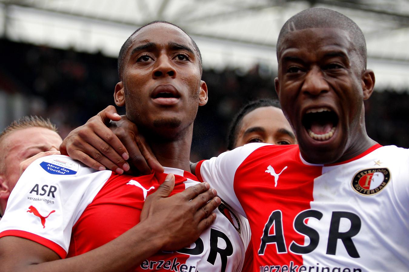 Leroy Fer en Guyon Fernandez in het shirt van Feyenoord in 2012.
