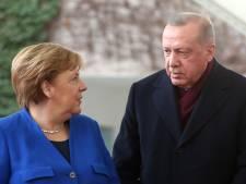Erdogan vraagt Merkel lasten vluchtelingencrisis eerlijker te verdelen