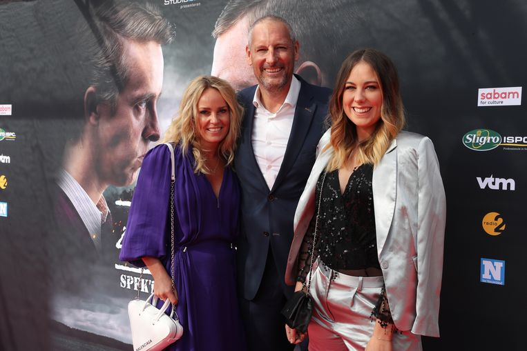 Studio 100-baas Gert Verhulst met partner Ellen en dochter Marie op 'zijn' première.