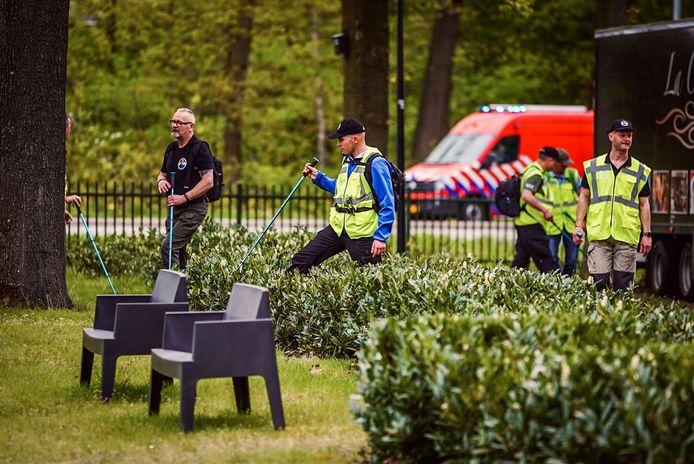 Politie krijgt hulp van veteranen search team bij het zoeken naar vermiste man uit Catharina ziekenhuis