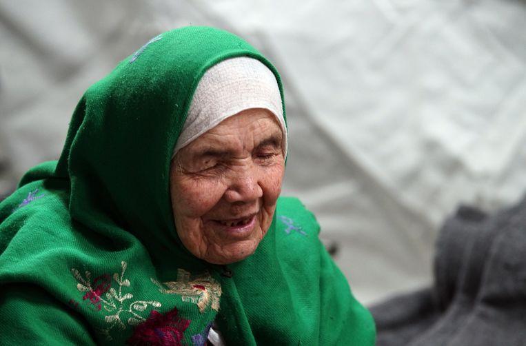 De 106-jarige Khalbibi Uzbeki, gevlucht uit de Noord-Afghaanse stad Kunduz, die in 2015 via Servië en Kroatië in Zweden terecht kwam. Beeld AP