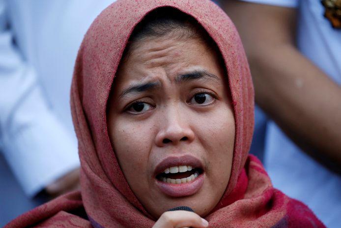 Siti Aisyah nadat de rechtbank de aanklachten tegen haar heeft laten vallen.