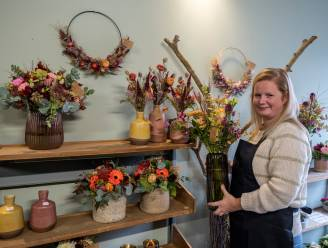 """Joke maakt droom waar en start bloemenwinkeltje in haar garage: """"Het was nu of nooit"""""""