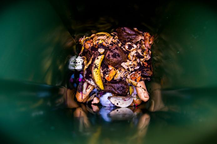 Etensresten in een gft-container.