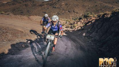Straf! West-Vlamingen Jelle en Frederik winnen woestijnrace van 666 km met mountainbike, ook BV's Andy Peelman en Luc Bellings halen finish