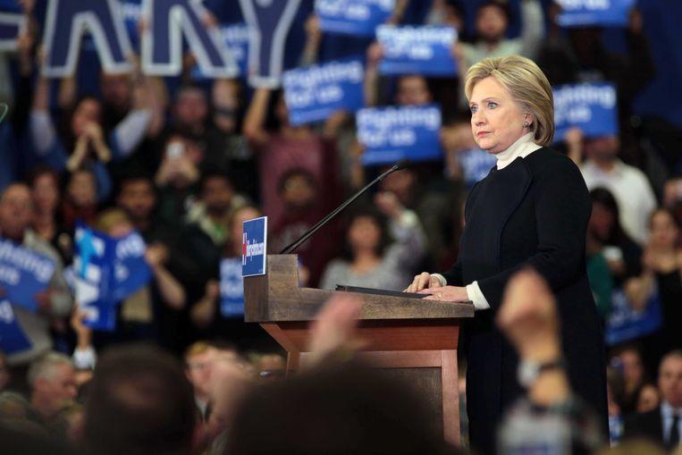 Hillary Clinton verloor fors van Bernie Sanders. Beeld Photo News