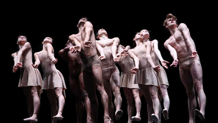 Het Nationale Ballet in Moving rooms van Krzysztof Pastor Beeld Hans Gerritsen