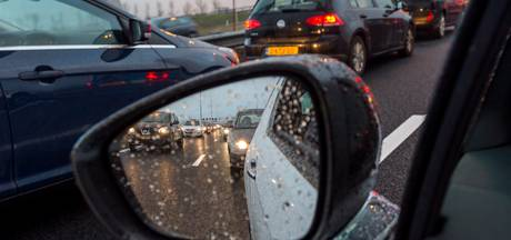 File op A58 vanuit Breda richting Tilburg na ongelukken