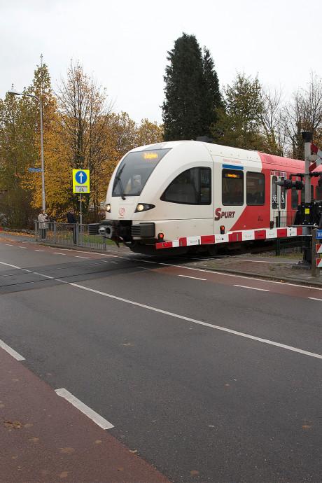 'De spoorbomen zitten hier in Winterswijk veel te lang dicht'