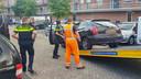 Bij de inval in de Amersfoortse wijk Nieuwland werden meerdere auto's in beslag genomen en werd een busje binnenstebuiten gekeerd.
