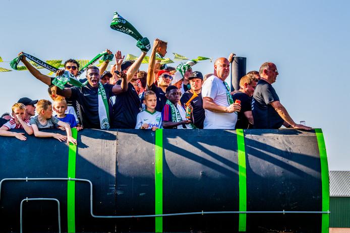 SV Aarlanderveen viert het kampioenschap in het afgelopen voetbalseizoen. (Archieffoto).