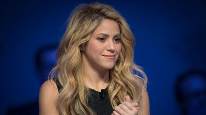 Shakira onder vuur om 'nazi' ketting