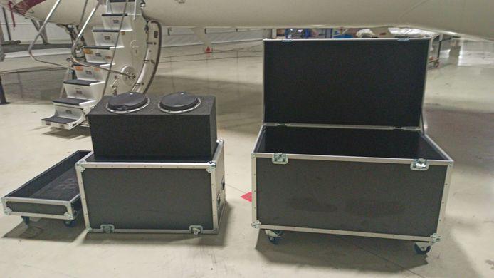 In het toestel dat Ghosn van Japan naar Istanboel nam, werden deze zware koffers aangetroffen