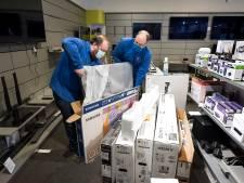 Winkeliers en kappers bereiden zich voor op heropening: 'Het wordt een beetje private shopping'