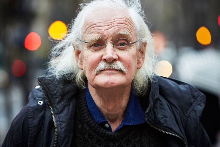 Willem (Bernard Holtrop) in Parijs.  Beeld ANP
