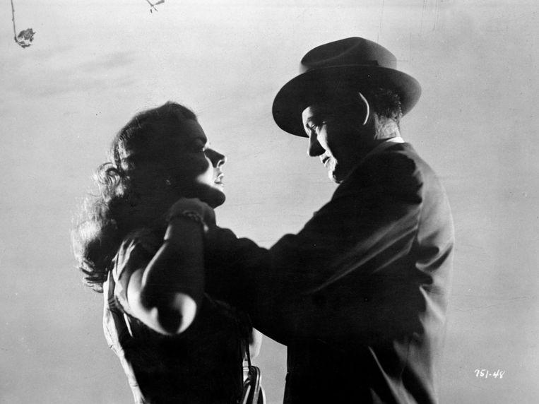 'Wij zijn de wolven' van Evie Wyld gaat over geweld tegen vrouwen (scène uit 'Strangers on a Train' van Alfred Hitchcock). Beeld Photo12
