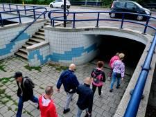 Voetgangers blijven stug fietstunnel gebruiken om van en naar de stad te gaan