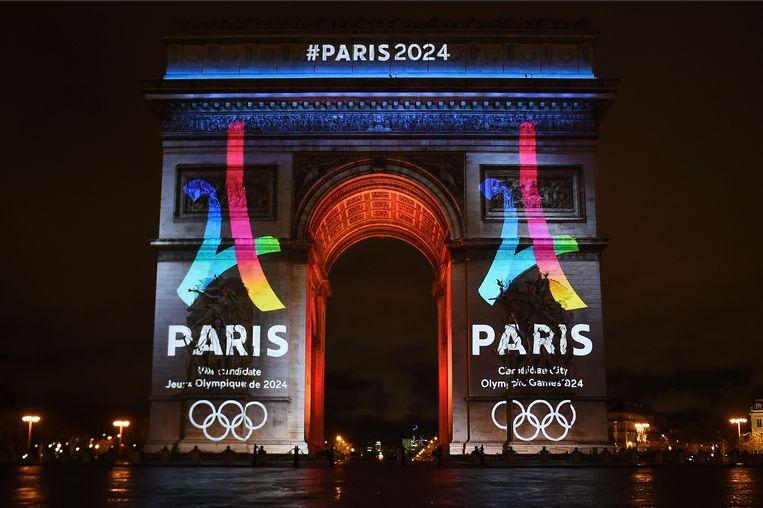 Met veel bravoure stelde Parijs eerder deze week het campagnelogo voor de Olympische Spelen van 2024 voor. Beeld AFP