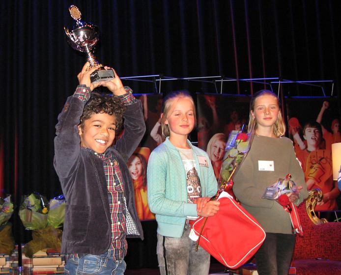 Seger van Zijll uit Oud-Beijerland heeft de provinciale finale van de Nationale Voorleeswedstrijd gewonnen.