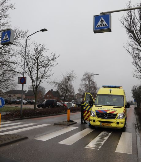 Voetgangster aangereden door auto op zebrapad in Boxmeer