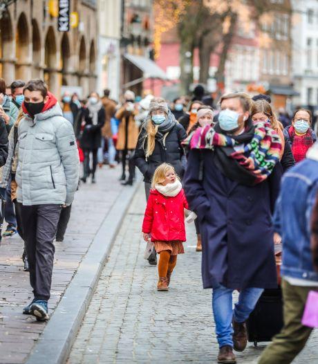 """Brugge schrapt mondmaskerplicht in openlucht: """"Cijfers gaan de goede richting uit"""""""