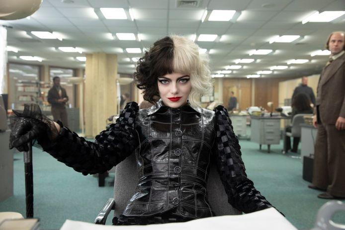 """Tout comme """"Black Widow"""", le film """"Cruella"""" - dont Emma Stone est la tête d'affiche - est également sorti sur Disney+ en même temps que dans les salles de cinéma aux États-Unis. La comédienne évaluerait actuellement """"ses options""""."""