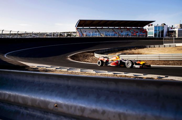 Max Verstappen op het circuit van Zandvoort vorig jaar.