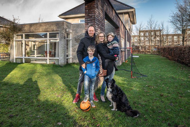 Tom Beek en Lisette Maaskant verruilden Leidsche Rein voor Friesland: 'Heerenveen voelt een beetje als een buitenwijk van de Randstad'. Beeld Harry Cock / de Volkskrant